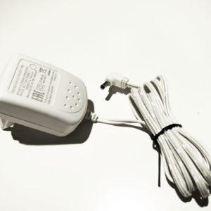 Adapter S004LV0600045 белый